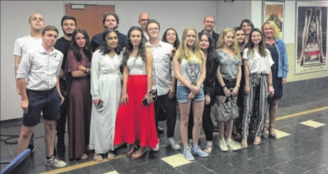 Photo de famille pour la promotion 2019 de la section audiovisuelle du lycée Jean-Paul de Rocca Serra qui a présenté à la Cinémathèque ses films réalisés dans la cadre du bac. / PHOTO D. L.