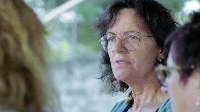 """Soirée en présence de Mylène Jacquet,Présidente de l'Association """"Savannah"""" le dimanche 8 mars à 17h00, Projection des films """"Savannah"""" et """"On m'a donné la terre """" de Francescu Artily à la Cinémathèque de Corse."""